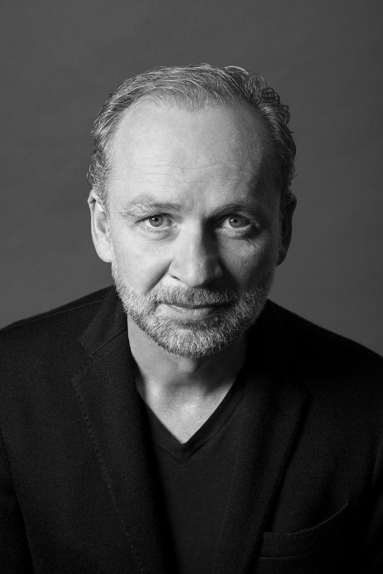 Ferdinand von Schirach: 'Hoewel ik de meest succesvolle schrijver van Duitsland ben, ben ik elke morgen nog bang dat geen mens mijn boeken meer leest.'   Beeld RV Michael Mann