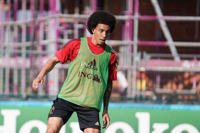Axel Witsel zou mogelijk al in de tweede groepswedstrijd tegen Denemarken speelminutenj krijgen.  Beeld BELGA