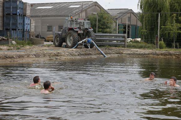 Tijdens de droge zomer vorig jaar werden we opgeroepen om ons waterverbruik zoveel mogelijk te beperken (archiefbeeld).