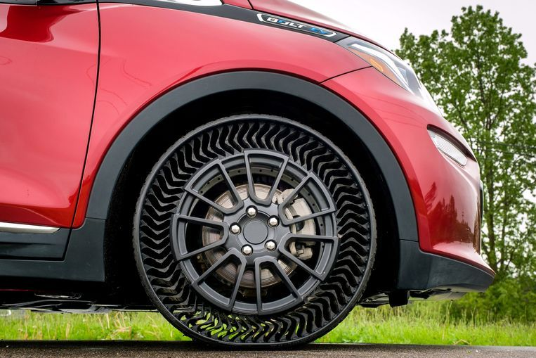 Michelin De innovatieve band van Uptis, onder de Chevrolet Bolt.
