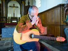 Un concert arrêté par la police à Crupet: le guitariste Quentin Dujardin voulait poser un geste fort