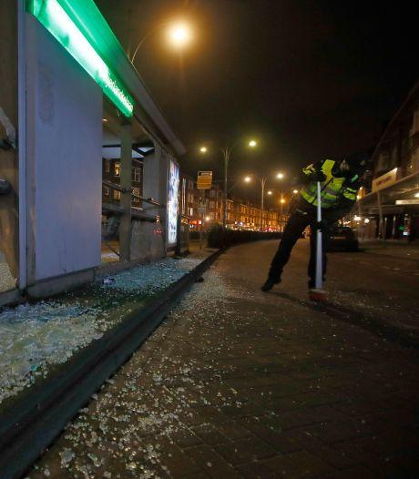 Verbijstering na nieuwe avond vol rellen: 'Dit zijn schaamteloze dieven'