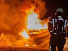 Auto vliegt in brand tijdens ritje over A59 bij Raamsdonk