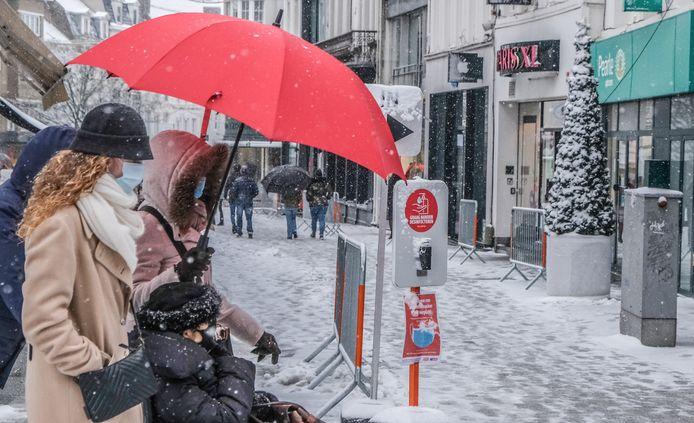 Het was niet zo druk in de winkelstraten, maar toch daagden er zaterdagnamiddag shoppers op.