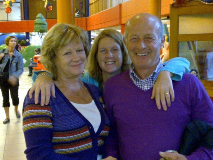 Jasmijn met haar moeder Marie-José (65) en vader Gery (68).