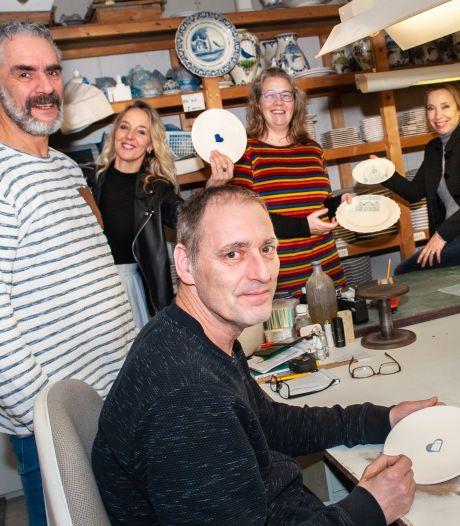 Delfts Blauw, maar dan in een modern, Gouds jasje: deze inwoners verwerken iconen uit hun stad in hun ontwerpen