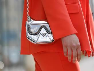 Met deze metallic tassen steel je deze lente de show