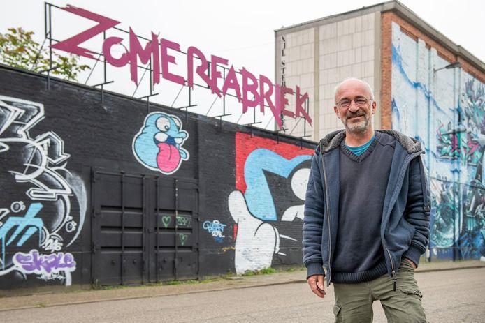 Patrick De Groote, organisator van de Zomer van Antwerpen, bij de Zomerfabriek: een van de vele locaties waar het festival plaatsvindt.