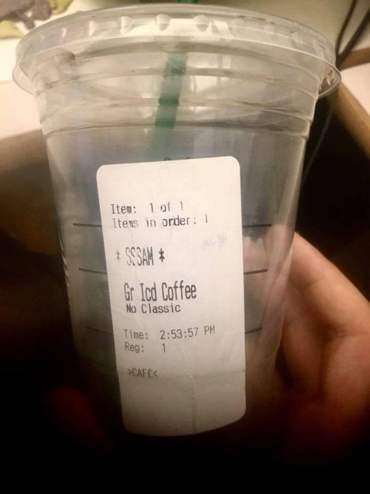Medewerker Starbucks maakt stotteraar belachelijk: Deze koffie is voor S-s-sam