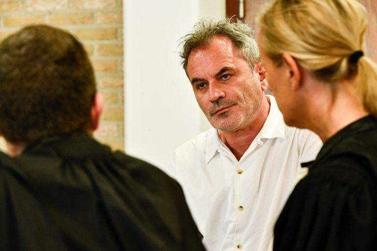 Acteur Guy Van Sande in de rechtbank in Veurne.