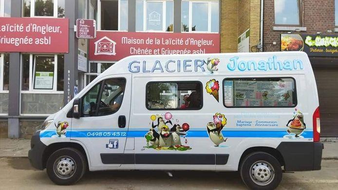 Aldo et Graziela ont distribué des glaces aux bénévoles et aux victimes des inondations qui ont ravagé la région liégeoise.