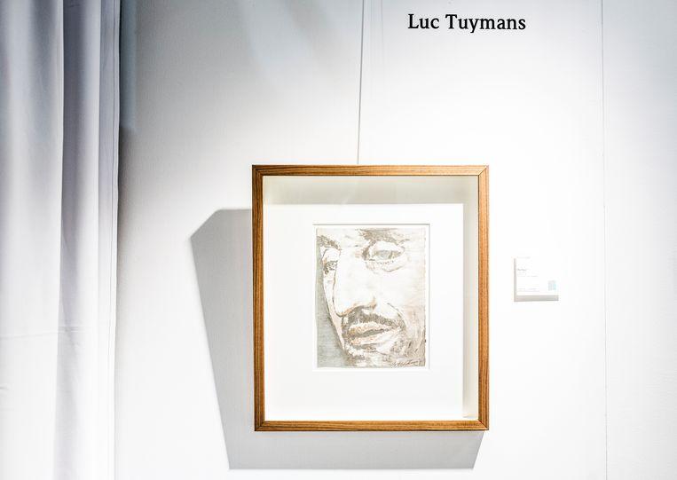 Een zeefdruk van The Nose van Luc Tuymans. Voor 2.750 euro is hij van jou. Beeld Franky Verdickt