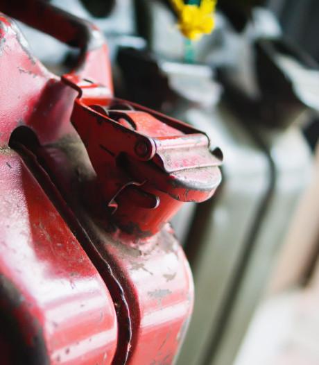 'Bekenden van politie Aalburg' aangehouden voor mogelijke diefstal diesel