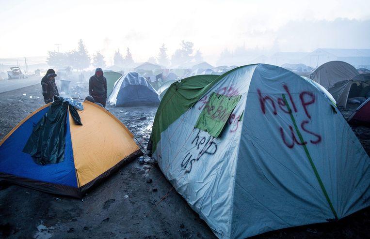 Vluchtelingen hebben een tentenkamp gebouwd bij Idomeini, Griekenland. Beeld epa