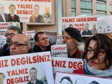 Turkse rechter houdt journalisten in cel tot maart