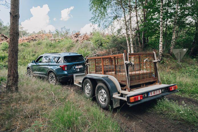 Deze extra stevige aanhangers last Ford zelf in elkaar: 'normale' trailers overleefden het testwerk vaak niet