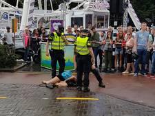 Tweetal dat hulpdiensten belemmerde op Tilburgse kermis aangehouden