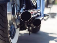 Politie waarschuwt luide motorrijder