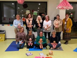 Oostrozebeke bedankt onthaalouders met infosessie baby-yoga