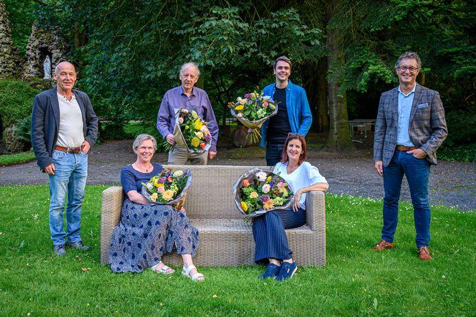 Joris Wijjnen (staande derde van links) is al zeker van de jeugdcultuurprijs 2021.