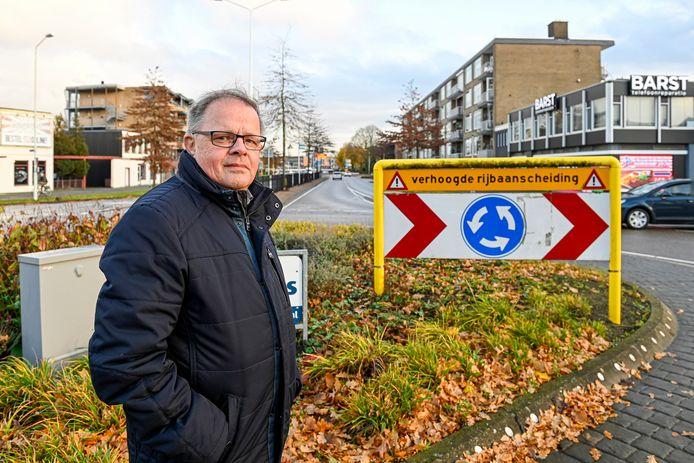 Ad Prinse woont aan de Burgemeester Freijterslaan in Roosendaal en vindt de verkeerssituatie daar ontzettend gevaarlijk. Als het aan hem ligt wordt deze weg straks een 30-kilometerzone.