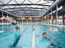 In Amsterdam kan het, dus waarom ook niet zwemmen in het buitenbad van De Krommerijn in Utrecht?