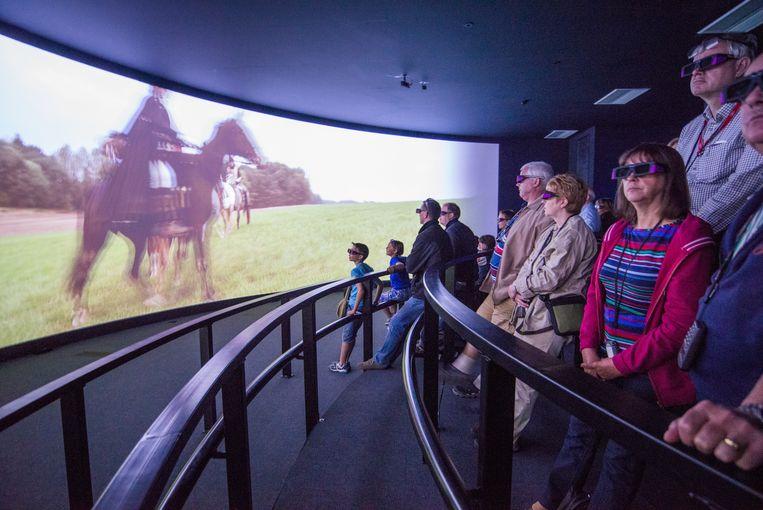 Nieuwe hoogtepunt op de Waterloosite is de 3D-film waardoor je jezelf even midden in het strijdgevoel waant. Beeld Artur Eranosian