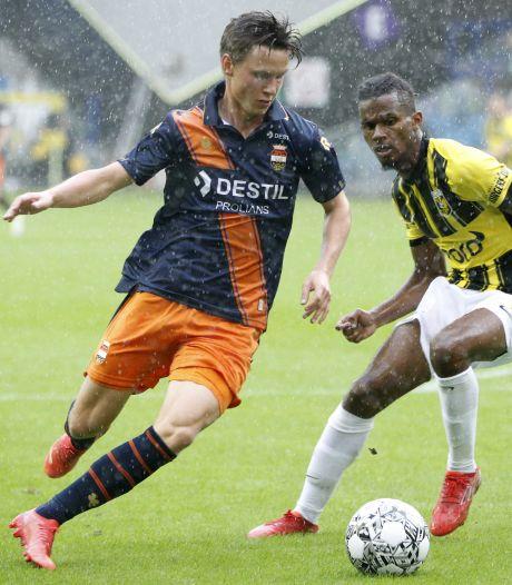 Op Willem II-deur bonkende Svensson maakt kennis met 'Hawaii-voetbal'
