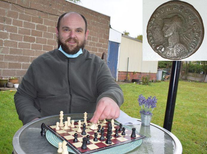 Andy Standaert won een zeldzame Romeinse munt tijdens een online schaaktornooi