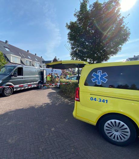 Brandweer stuit op grote partij vuurwerk bij keukenbrandje in Harderwijk: straat afgezet