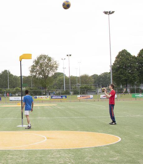Gezocht: jongeren om de korfbalclub in Nijverdal draaiende te houden