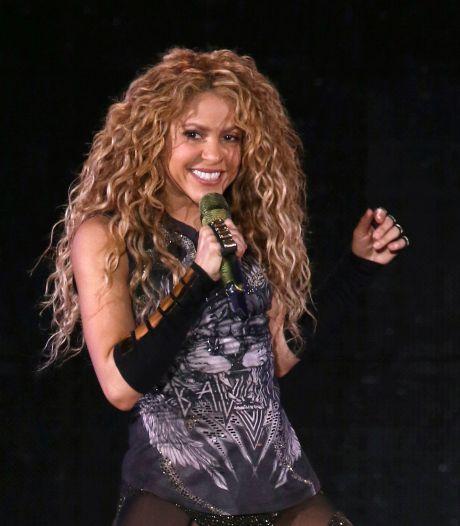 Shakira change radicalement de look et surprend ses fans