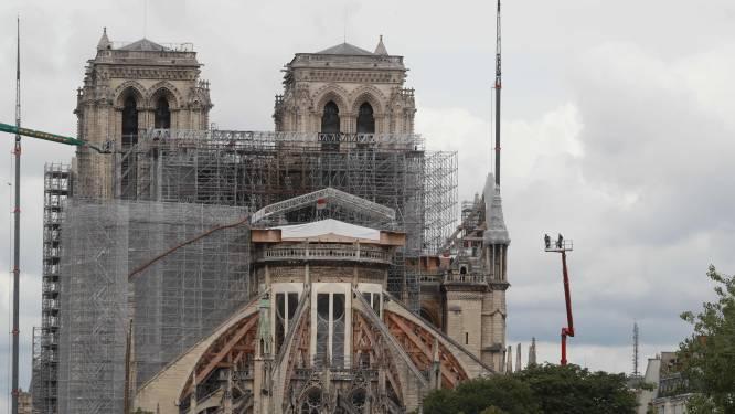 """Frans president Macron: """"Gerestaureerde kathedraal moet toch identiek zijn"""""""