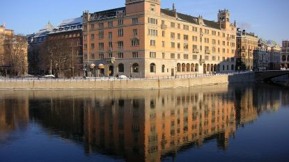 6 pistolen en 300 dumdumkogels gestolen uit kantoor Zweedse premier