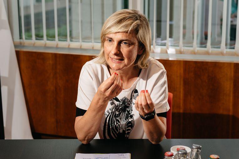 Minister van Onderwijs Hilde Crevits (CD&V) wil de hervorming van de lerarenopleiding binnenkort laten goedkeuren. Beeld Illias Teirlinck