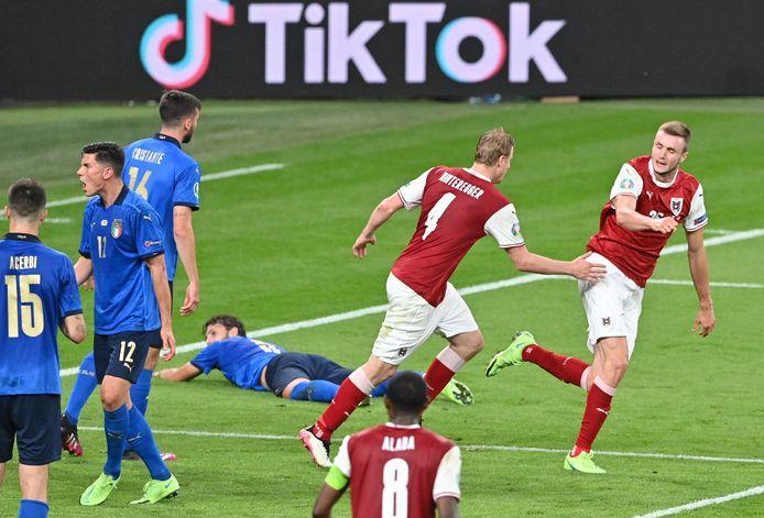 Sasa Kalajtjik (ra) ha realizzato il 2-1.