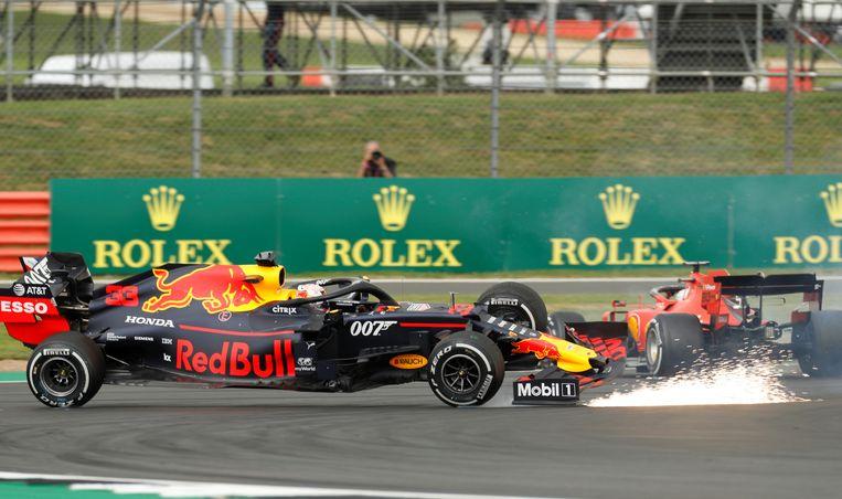 Hét beeld van de dag: Sebastian Vettel rijdt Max Verstappen aan.