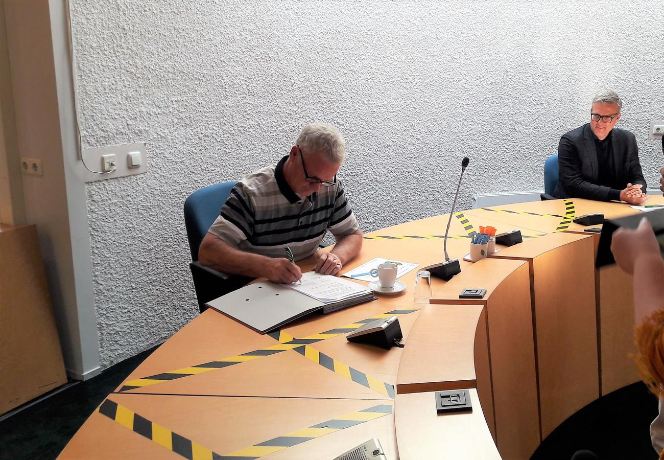 Tijdens de tweede dialoogbijeenkomst over de nieuwe invulling van landgoed Haarendael ondertekenden de gemeenten Haaren en Oisterwijk, Lithos Bouw en Ontwikkeling en eigenaar Wim Vugts (foto) een intentieovereenkomst.