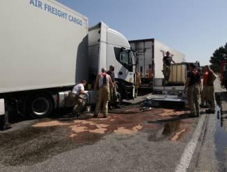 Spaanse trucker rijdt brandstoftank lek op boordsteen