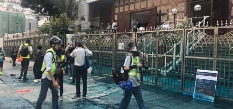 Hongkong maakt excuses voor besmeuren moskee met blauwe verf uit waterkanon