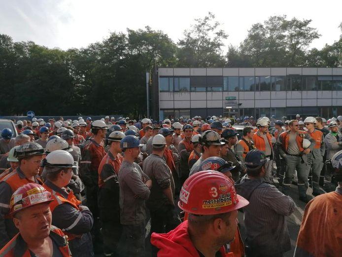 Honderden werknemers legden woensdagvoormiddag het werk neer