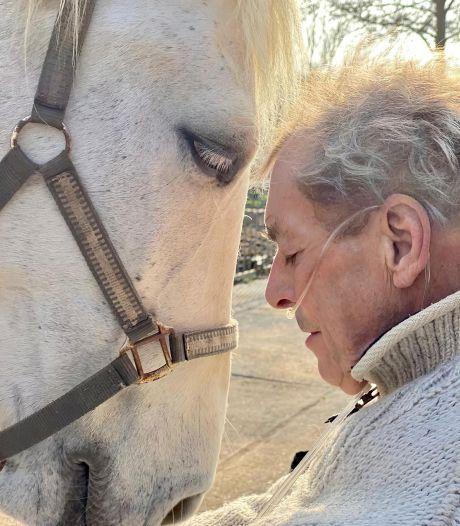 Longkanker dwingt volbloed paardenmens Cees Smit (75) om af te zadelen