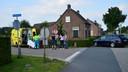 Bij het oversteken van de N607 tussen Helmond en Bakel is woensdagmiddag rond 17.15 uur een fietser in botsing gekomen met een auto.