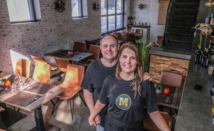 Ricardo en Alessandra Passarelli, in hun restaurant M Steaks & Burgers House op de Veemarkt in Kortrijk