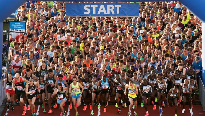 Deelnemers aan de start van de Amsterdam Marathon vorig jaar.