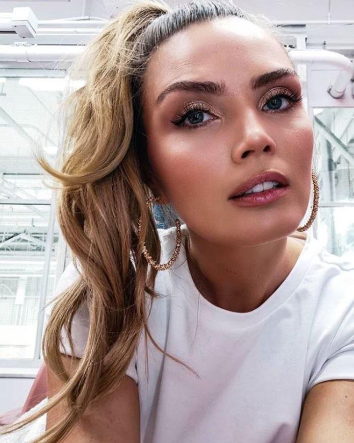 Kim houdt wel van een laagje make-up.