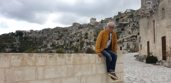 Herman Diks vastgelegd door vrouw Jacqueline op hun trip door Italië