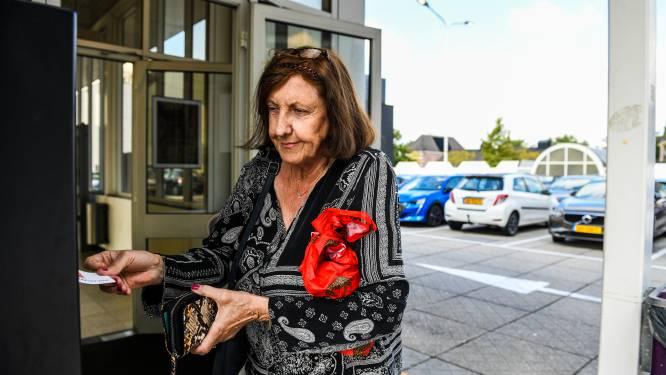 Gratis parkeren in Alphens stadshart wéér uitgesteld:  dit is waarom het maar niet lukt