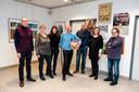 Een aantal Arktiesten op de tentoonstelling, met in het midden Stan Scholiers.