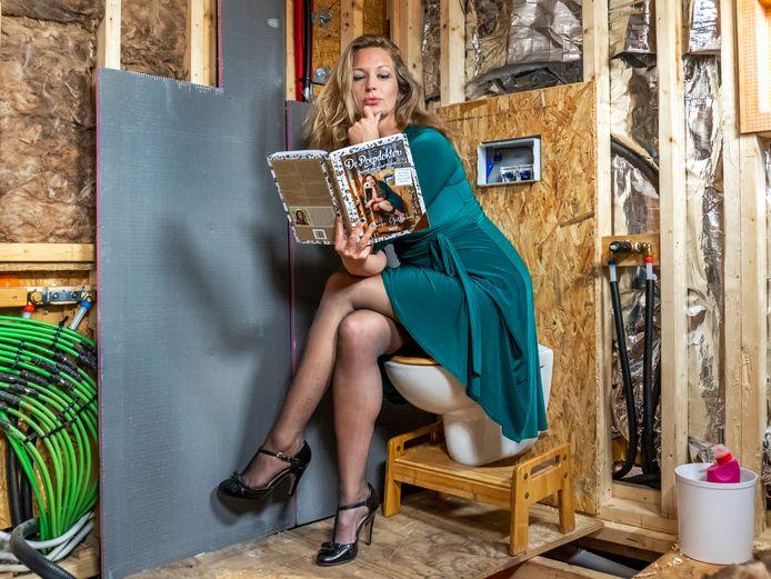 Nienke Gottenbos herschreef haar succesvolle boek 'De Poepdokter' omdat inmiddels nog nóg meer bekend is over onze ontlasting.